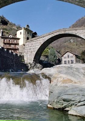 Ponte Romano di Pont-Saint-Martin